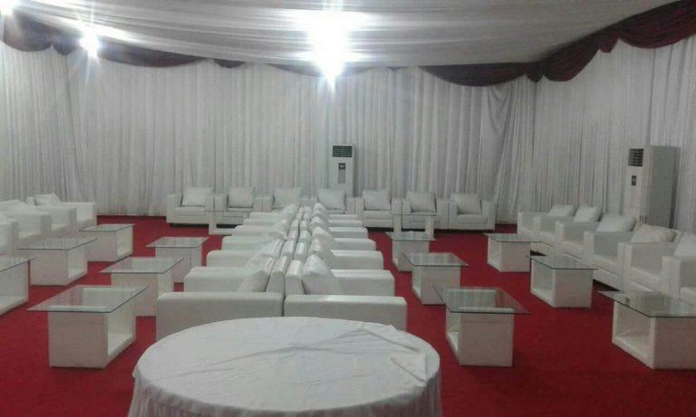 kumpulan sofa warna putih